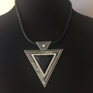 NWT ASOS statement necklace - 5⭐️rated!
